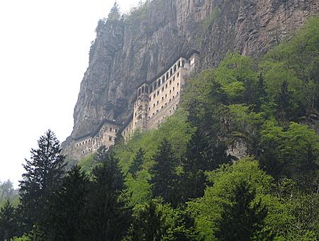 20100818-monasterio-de-sumela1.jpg