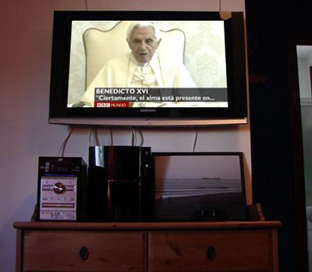 20110426-papa en tv.jpg