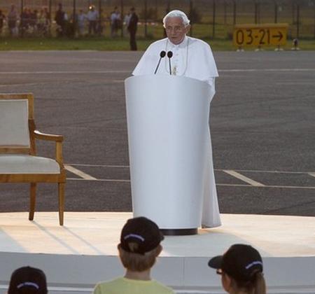 20110929-discurso benedicto XVI.jpg