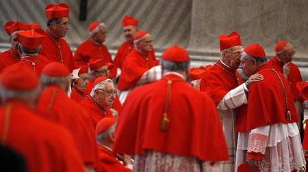 Cardenales en el cónclave