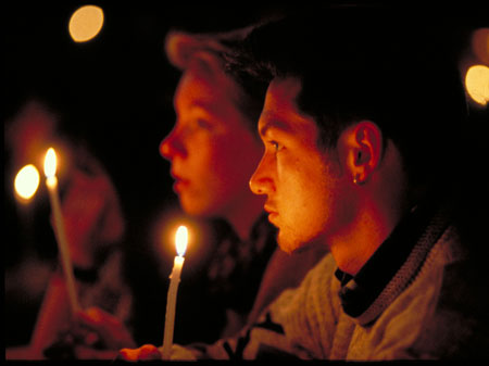 Taizé - Jóvenes orando