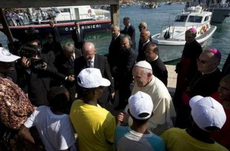 Francisco visita Lampedusa