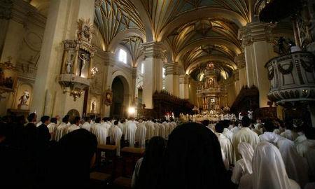 Iglesia Peru - Tigre de papel