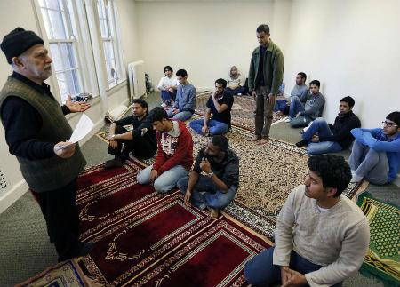 Universidad St. Thomas facilidades oración musulmanes