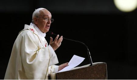 Papa Francisco pide coraje y determinación a Consejo de Economía