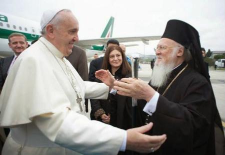 Francisco visita Turquía