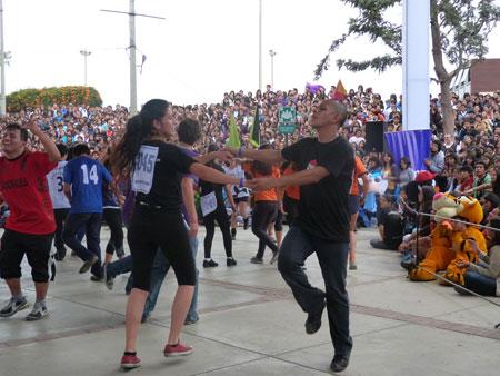 Carlos Santos y Gabriela Valenzuela
