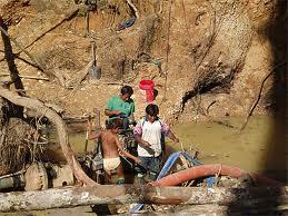 20110302-mineria ilegal 6.jpg
