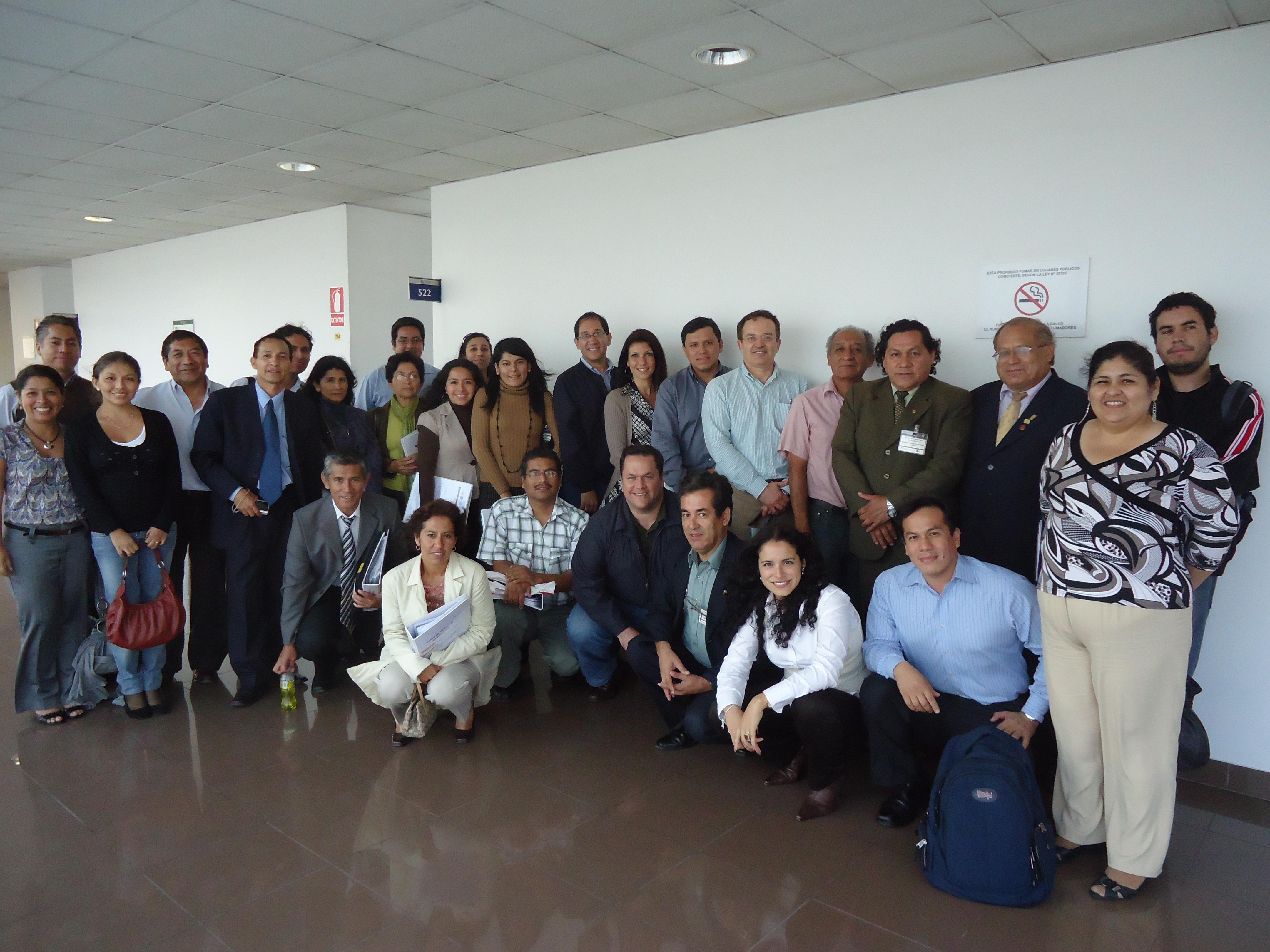 Participantes y expositores del Taller de redacción de patentes