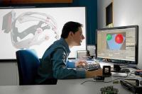 Asier Arranz, fundador de Nebutek, trabaja en su despacho.