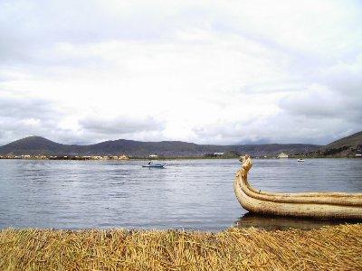 Lago Titicaca fuente:http://batidoradigital.f2o.org/IMG/jpg/titicaca_0293_400x300.jpg