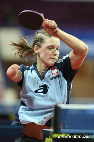 Natalia Partyka participa en Tenis de Mesa