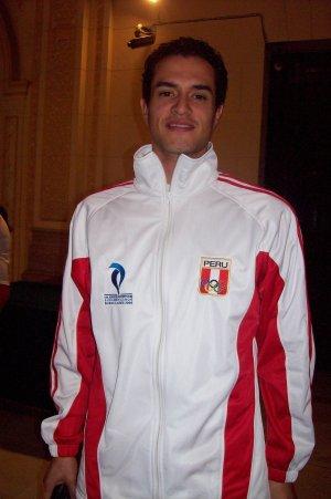 Taekwondista Peter lopez, fuente:http://taekwondototal.blogspot.com/2008/02/la-taekwondoca-julissa-diez-entrena-con.html